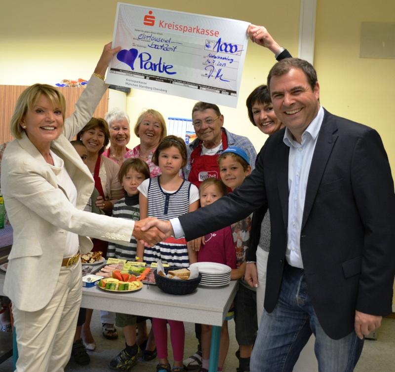 """1.000 Euro für Initiative """"brotZeit e.V."""" an der Jahnschule Unterhaching"""